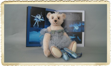 Ballerina in Blue 7.jpg